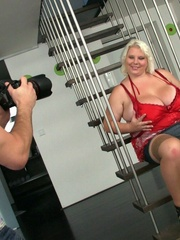 After he takes her picture the BBW beauty gets a good - Picture 3