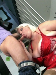 After he takes her picture the BBW beauty gets a good - Picture 9
