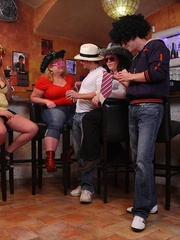 The girls play with each other in the BBW orgy set and - Picture 2