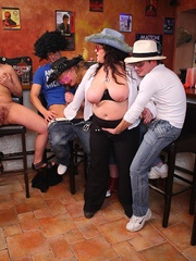 The girls play with each other in the BBW orgy set and - Picture 16