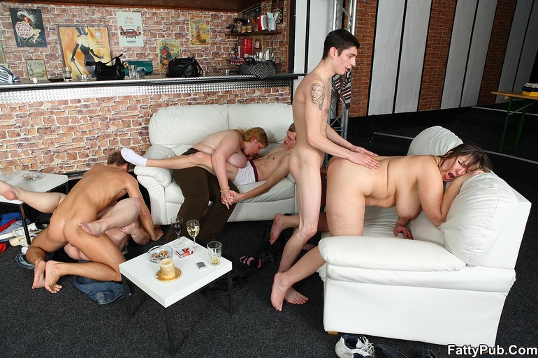 Секс фото групповуха с полными