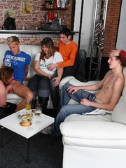 Fat chick at a party gets fucked while her friends - Picture 11