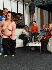 The fat girl at the party has incredible hardcore sex - Picture 7
