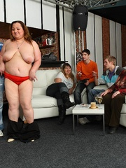The fat girl at the party has incredible hardcore sex - Picture 8