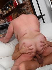 The fat girl at the party has incredible hardcore sex - Picture 11