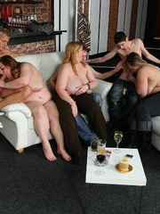 The fat girl at the party has incredible hardcore sex - Picture 14
