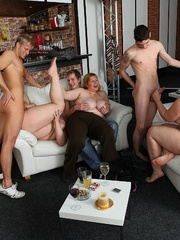 She gets naked at the party, blows her man, and then - Picture 15