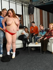 Fat girl is a little drunk and she loves a good fuck so - Picture 3