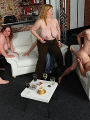 Fat girl is a little drunk and she loves a good fuck so - Picture 10