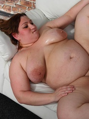 Fat girl is a little drunk and she loves a good fuck so - Picture 13