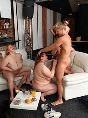 As her friends fool around this fat girl spreads her - Picture 14