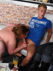 The orgy in the bar features drunken fatties sucking - Picture 10