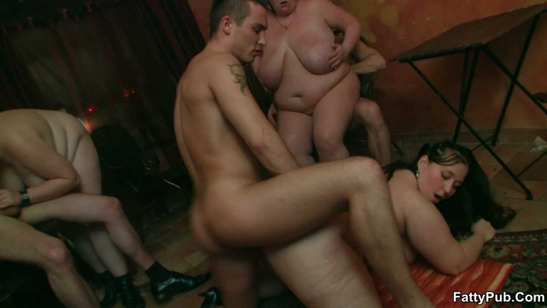 BBW party babes get drunk at the bar and have an orgy - Picture 7