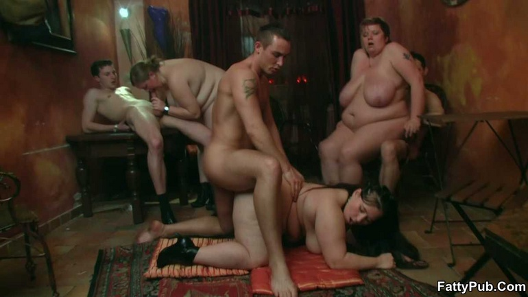 BBW party babes get drunk at the bar and have an orgy - Picture 8