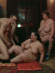 BBW party babes get drunk at the bar and have an orgy - Picture 9