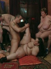 BBW party babes get drunk at the bar and have an orgy - Picture 11