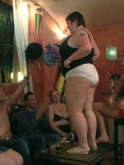 They all get naked and then one horny fat chick rides a - Picture 6