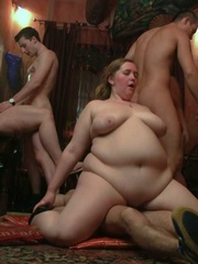They all get naked and then one horny fat chick rides a - Picture 14