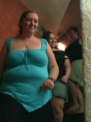 The three BBW friends come to the bar and end up naked - Picture 1