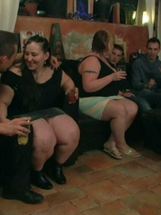 The horny bar babes get naked and we see them sucking - Picture 2