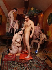 The fat girls in the bar get naked for the slender guys - Picture 15
