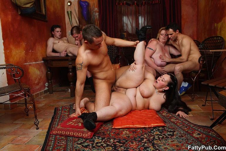 Групповуха с толстушкой порно фото 54254 фотография