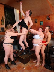 She's in an orgy with her friends and the BBW beauty - Picture 8