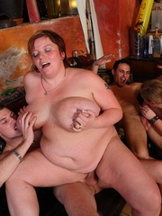 She's a hot BBW and he puts her on her hands and knees - Picture 16