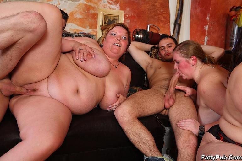 Смотреть порно толстых оргия