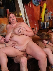 The BBW orgy in the bar features a hot fatty with jiggly - Picture 10