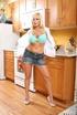 Blonde Angelinaash
