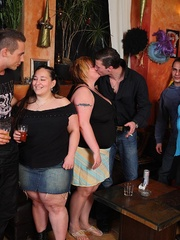 BBW babes get together with the guys at a pub and they - Picture 3