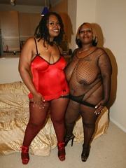 Cherry Bomb and Shadow Cat get a face full of black BBW - Picture 1
