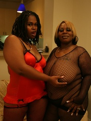 Cherry Bomb and Shadow Cat get a face full of black BBW - Picture 2