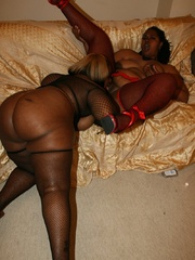 Cherry Bomb and Shadow Cat get a face full of black BBW - Picture 9