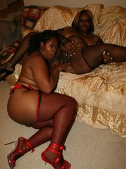 Cherry Bomb and Shadow Cat get a face full of black BBW - Picture 12