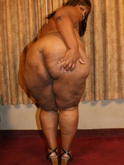 Jasmine's an XXL black BBW that loves to have her big - Picture 6