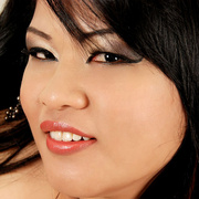 Plump Asian Sunny shows her thick legs and firm ass - Picture 10