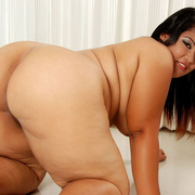 Plump Asian Sunny shows her thick legs and firm ass - Picture 12