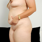 Chunky Asian Pla shows her fat pussy - Picture 10
