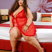 Asian BBW Cassie in red lingerie - Picture 1