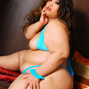 BBW Cassie showcases her big fat ass - Picture 6