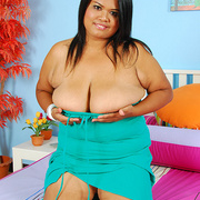 Chunky Asian milf Poo shows off her heavy tits - Picture 5