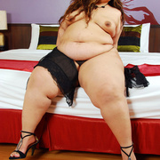 SSBBW Cassie shows her  big soft body - Picture 9