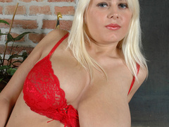 Plump blonde girlfriends in tight red undies slowly - Picture 4