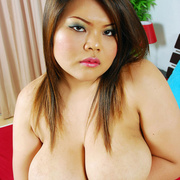 Full figured Asian girl with big heavy tits - Picture 14