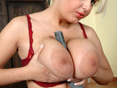 Lusty chubby housewife with heavy boobs playing with her - Picture 6