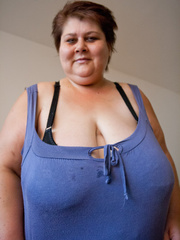 This mature bbw need a huge bra to hide her - Picture 7