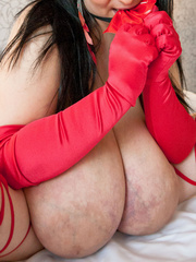 Demonic gipsy mom in horns and red gloves seducing you - Picture 6