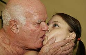 Stunning looking sluts with gorgeous bodies kissing passionately. - XXXonXXX - Pic 3